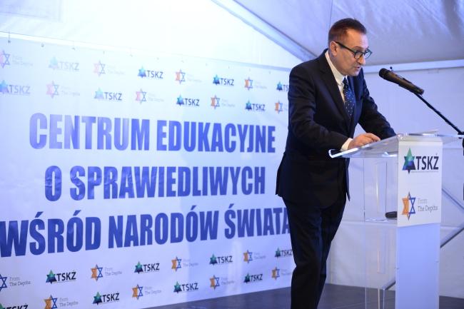 Голова Суспільно-культурного товариства євреїв у Польщі, Артур Гофман