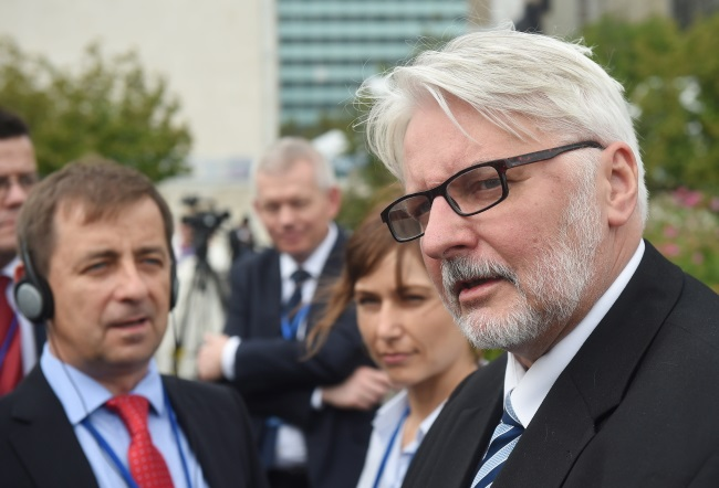 Waszczykowski talks to reporters during his week-long visit across the pond. Photo: PAP/Radek Pietruszka