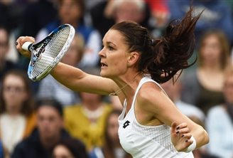 Polish star storms into second round at Wimbledon
