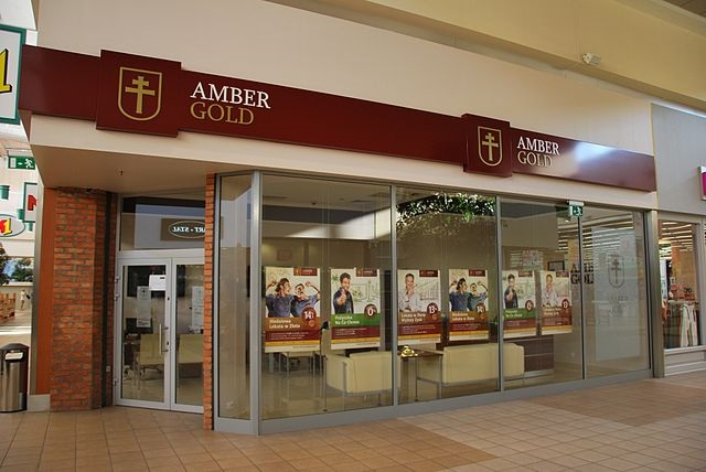 Amber Gold pretended to be a legitimate financial institution until its closure in 2012. Photo: Wikimedia Commons