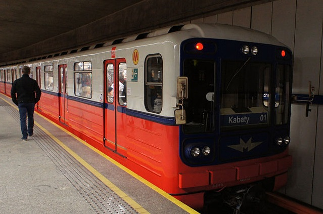 A train on the Warsaw Metro. Photo: Wikimedia Commons