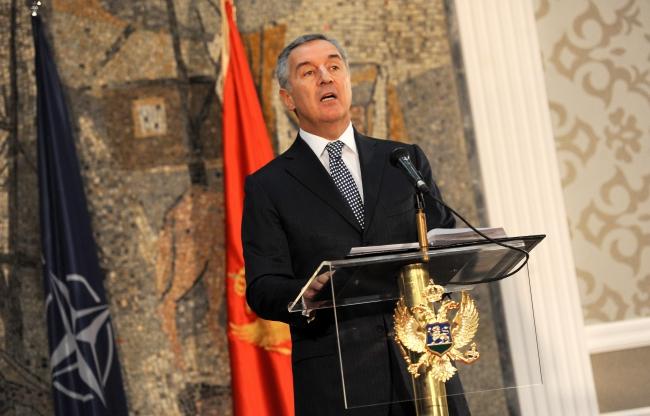 Чорногорський прем'єр Міло Джуканович коментує запрошення для його країни стати членом НАТО, Подгориця, 2 грудня 2015 р.