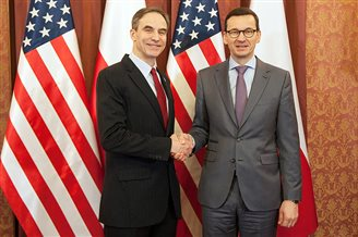 Polish PM meets US ambassador