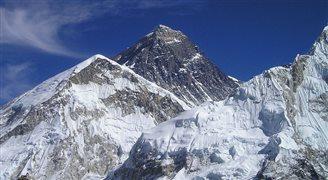 Denis Urubko samodzielnie wchodzi na K2