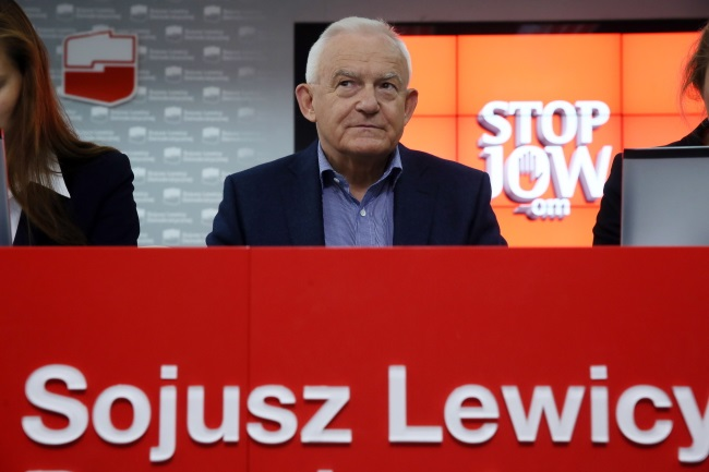 SLD leader Leszek Miller at an SLD press conference on 27 June  in Warsaw. Photo: PAP/Tomasz Gzell