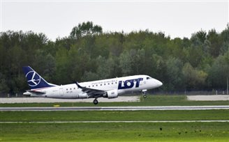 Unionists at Polish airline LOT set to strike