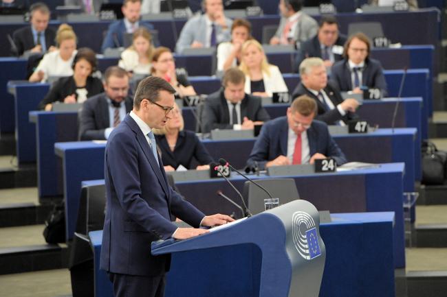 Премьер-министр Матеуш Моравецкий во время пленарной дискуссии в Европейском парламенте.