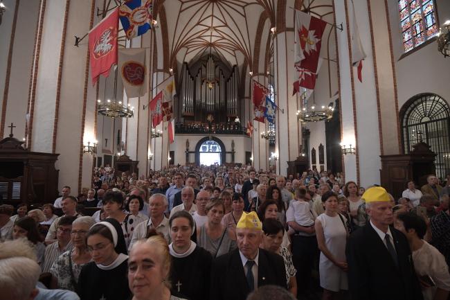 Праздник Тела и Крови Христовых в варшавском архикафедральном соборе св. Иоанна Крестителя
