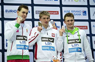 Kawecki takes gold for Poland