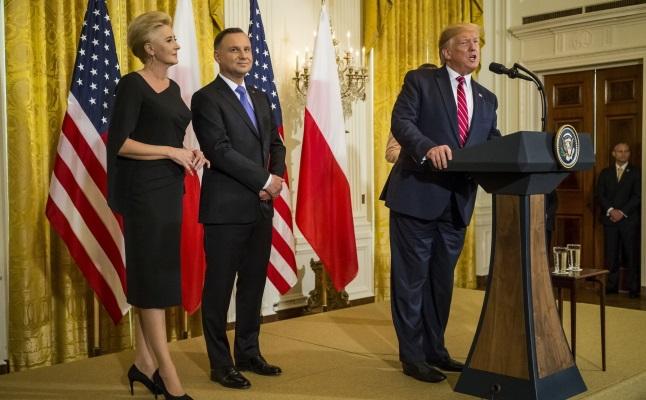 Президент США Дональд Трамп выступает во время польско-американского приема в Белом доме в Вашингтоне