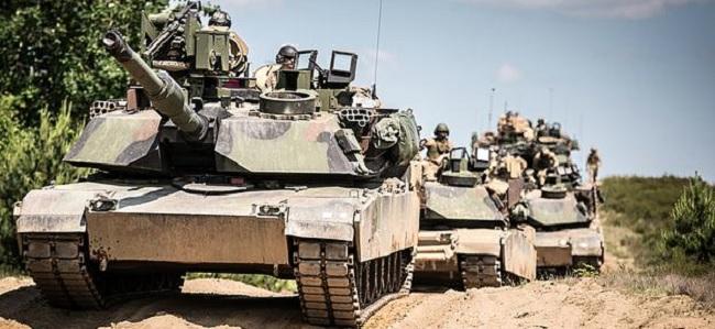 Американские танки из состава Бронетанковой бригадной боевой группы, дислоцирующейся с 2017 года в Польше.