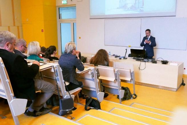 Dariusz Klechowski, dyrektor Instytutu Polskiego w Moskwie, podczas wykładu na Uniwersytecie Łódzkim