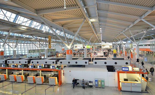 Warsaw Chopin Airport. Photo: wikimedia commons/Adrian Grycuk
