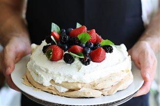 Кухня: торт-безэ «Паўлава»
