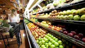 Russia hits back with Polish fruit and veg ban