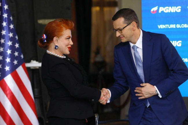 Poland's Prime Minister Mateusz Morawiecki (right) and US Ambassador to Poland Georgette Mosbacher (left) during a news conference in Warsaw on Wednesday. Photo: PAP/Rafał Guz