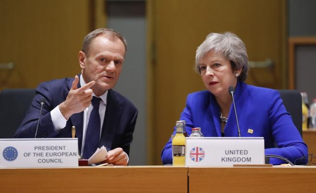 Брюссель, 25 ноября 2018 г. Председатель Европейского совета Дональд Туск и премьер-министр Великобритании Тереза Мэй