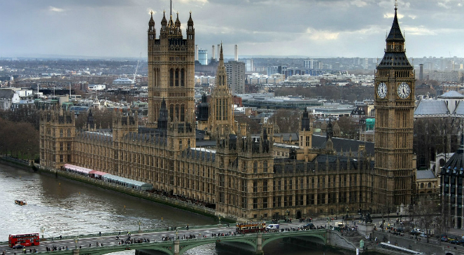 Pałac Westminsterski w Londynie, siedziba Parlamentu Zjednoczonego Królestwa Wielkiej Brytanii i Irlandii Północnej.