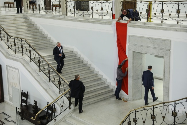 Preparations for a joint session of both houses of Poland's parliament on Tuesday morning. Photo: PAP/Rafał Guz