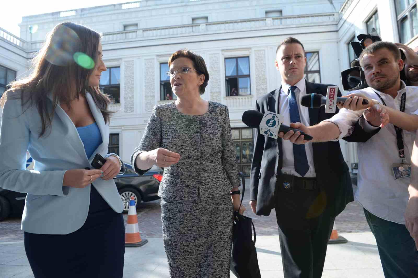 Ewa Kopacz leaves the Belvedere Palace on Friday. Photo: PAP/Tomasz Gzell
