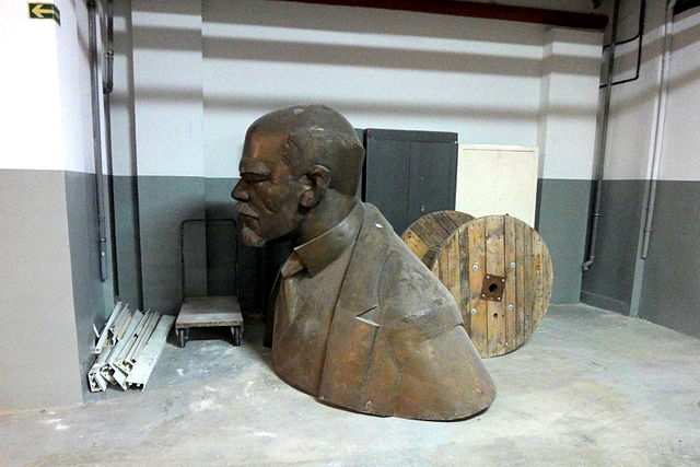 Two-metre tall bust of Russian communist revolutionary Lenin. Photo: Stiopa/Wikimedia Commons (CC BY-SA 4.0)