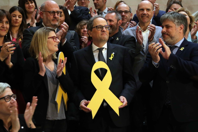 Новый премьер Каталонии Ким Торра (в центре).