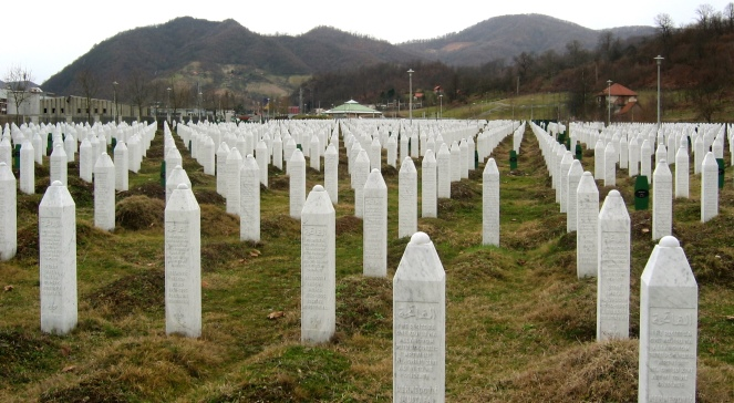 Srebrenica massacre memorial gravestones. Photo: Wikimedia Commons