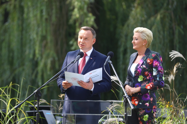 Andrzej Duda and his wife Agata during  National Reading Day. Photo: PAP/Rafał Guz