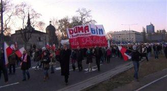 Polscy neonaziści oddają hołd Hitlerowi. W tle Rosja?