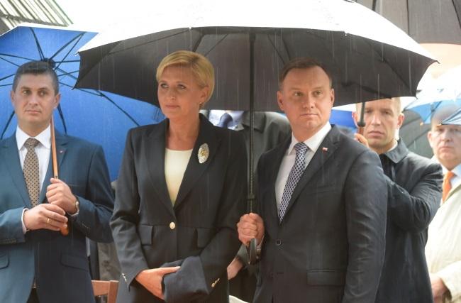 Polish President Andrzej Duda (right) with wife Agata Kornhauser-Duda (centre). Photo: PAP/Grzegorz Michałowski