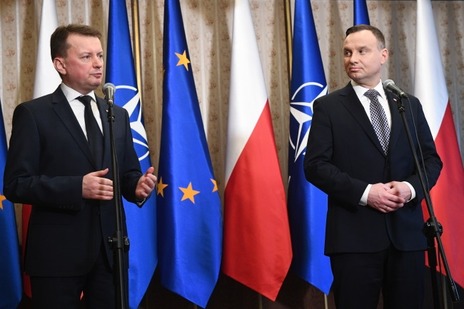 President Andrzej Duda (right) and Defence Minister Mariusz Błaszczak (left) give a news conference after their annual briefing in Warsaw on Thursday. Photo: PAP/Jacek Turczyk