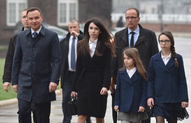 Краків, перший ліворуч – президент Польщі Анджей Дуда, поруч Марта Качинська