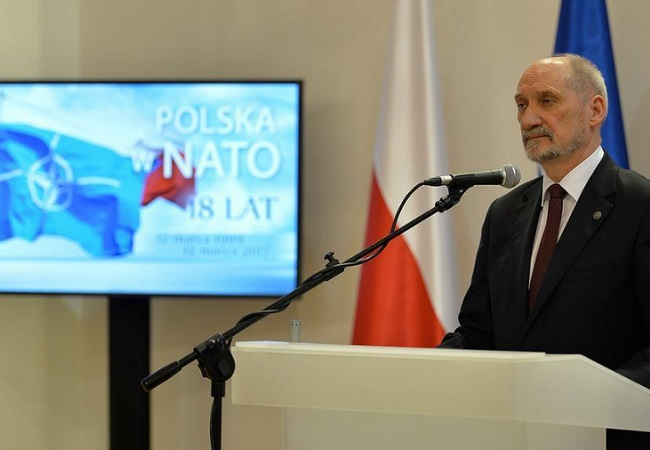 Defence Minister Antoni Macierewicz marks Poland's 18th year in NATO in Warsaw. Photo: Robert Siemaszko/mon.gov.pl.
