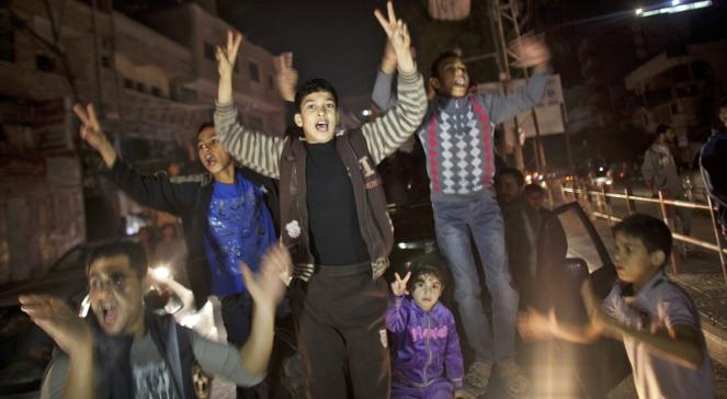 Palestyńczycy cieszą się z rozejmu na ulicach Gazy