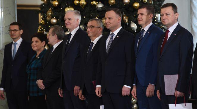 Анджей Дуда з міністрами уряду Матеуша Моравєцького у Президентському палаці