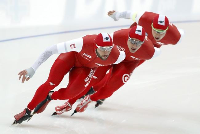 Polish team in action during men's pursuit. Photo: EPA/Tatyana Zenkovich.