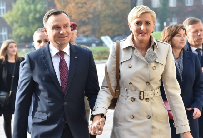 Polish President Andrzej Duda (left) with wife Agata Kornhauser-Duda (right). Photo: PAP/Jacek Bednarczyk