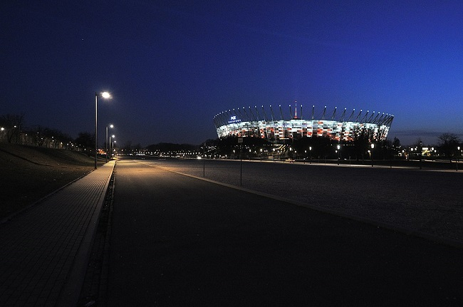 The National Stadium in Warsaw. Photo: AKasprzyk [CC BY-SA 4.0 (https://creativecommons.org/licenses/by-sa/4.0)], from Wikimedia Commons