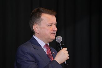 Polish defence minister to hold talks in US