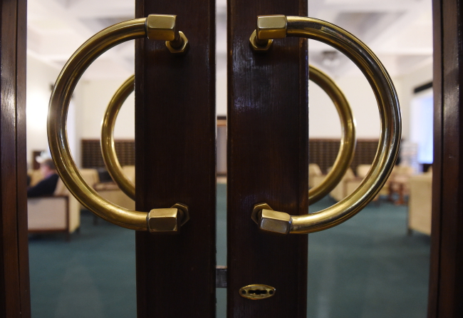 Some doors in the parliament remained close to journalists on Tuesday. Photo: PAP/Radek Pietruszka