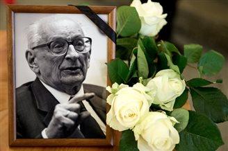 State funeral for diplomat and Auschwitz-survivor Bartoszewski