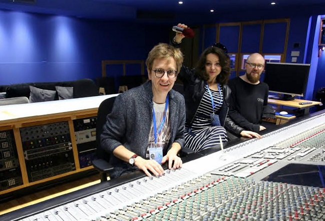 Magdalena Fijałkowska (C) and Paweł Błędowski (L) at Abbey Road Studios in London. Photo: Piotr Michalski