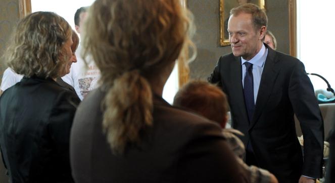 """Premier Donald Tusk podczas spotkania z rodzicami z ruchu """"Matek I kwartału"""""""