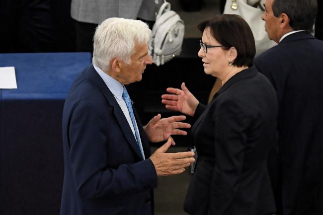 Польские евродепутаты Ежи Бузек и Эва Копач в Европаламенте в Страсбурге