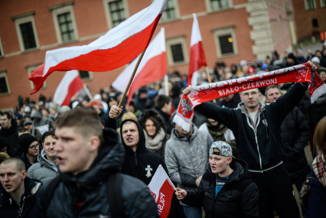 Anti-immigration marchers at Warsaw's Castle Square. Photo: PAP/Jakub Kamiński