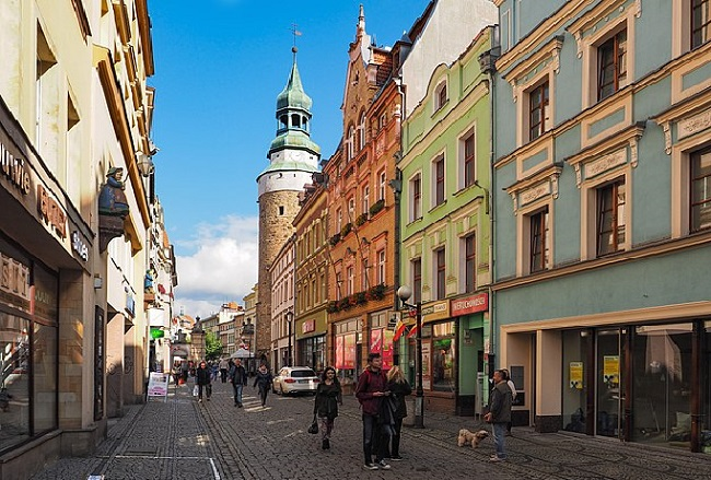 With a population of 85,000, Jelenia Góra in western Poland is among the 35 cities to be surveyed under the programme. Photo: SuperGlob/Wikimedia Commons (CC BY 3.0)