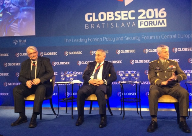 Foreign Minister Waszczykowski attended the forum in Bratislava on Friday. Photo: MSZ
