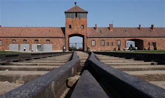 Record number of visitors to Auschwitz