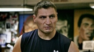 Boxer Golota prepares for farewell fight