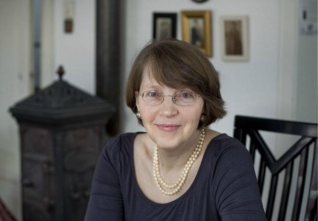 Renate Schmidgall